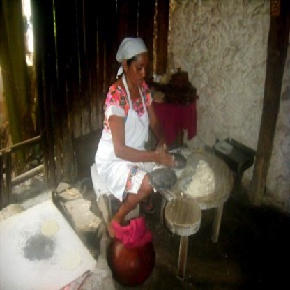 Hand-made tortillas for lunch - Izamal